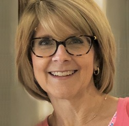 Debbie Yarnell Headshot